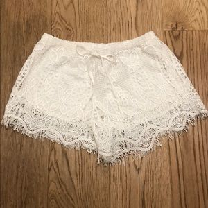 Pants - White lace shorts with adjustable tie in front